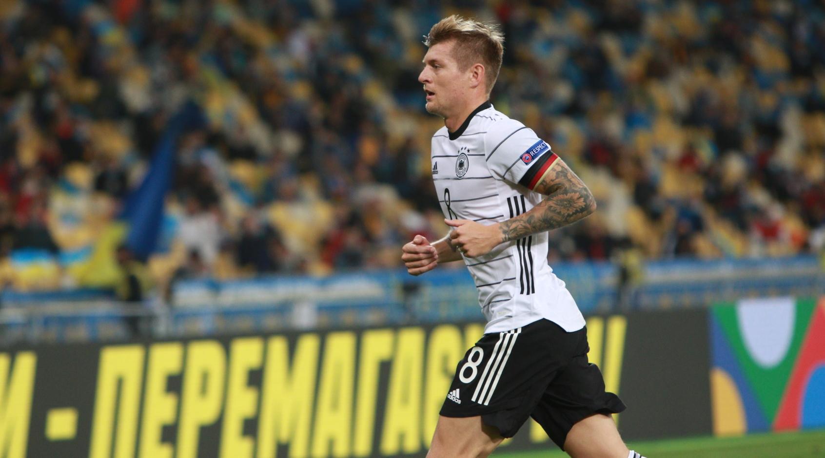 Кроос хочет завершить карьеру в сборной Германии после Евро-2020